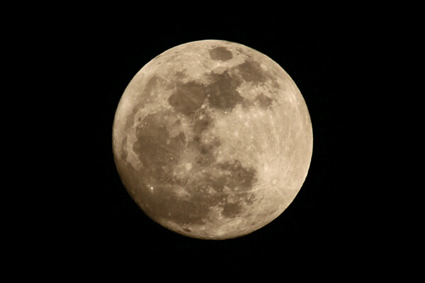 2012_05_05_moon.jpg