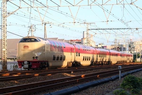 toukaidouhonsen_737.jpg